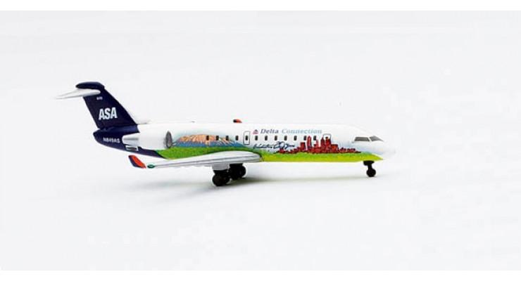 "Модель самолета Bombardier CRJ200 Atlantic Southeast Airlines ""Delta Connection"" 1:500 512572"