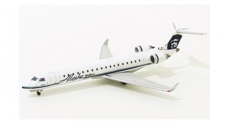 Модель самолета Bombardier CRJ700 Alaska Airlines 1:400