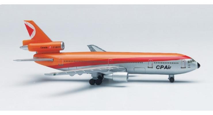 Модель самолета Douglas DC-10-30 Canadian Pacific Air Lines 1:500 500197