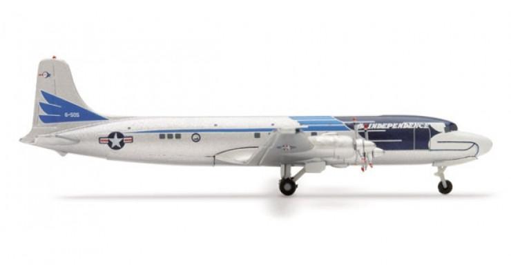 "Модель самолета Douglas DC-6 / VC-118 USAF ""The Independence"" 1:500 507943"