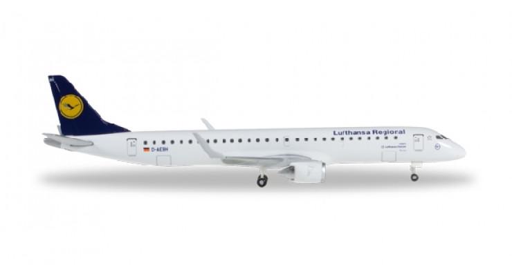 Модель самолета Embraer ERJ-195 Lufthansa Regional 1:500 527583