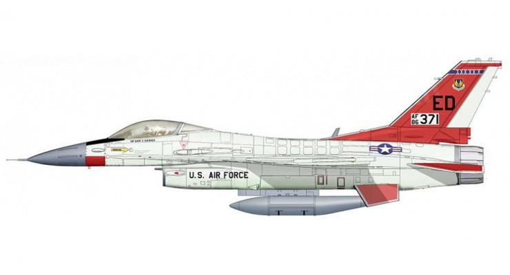 Модель самолета General Dynamics F-16C Block 30 1:72