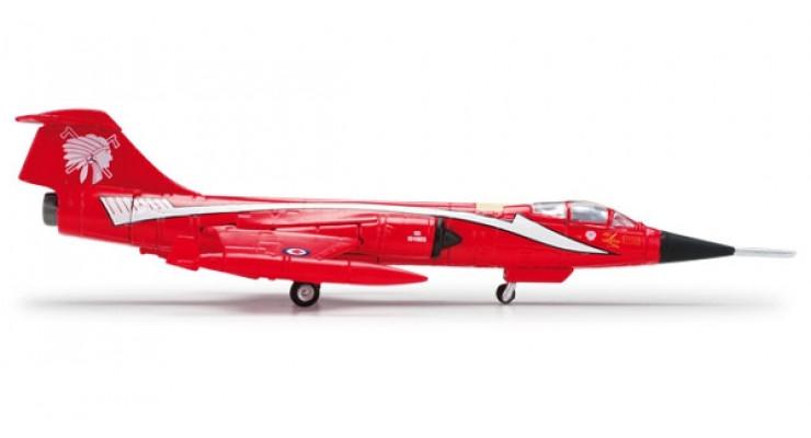 "Модель самолета Lockheed CF-104 Starfighter Canadian Air Force ""Red Indians"" 1:200"