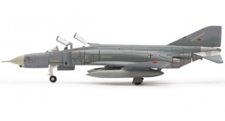 Модель самолета McDonnell Douglas F-4F Phantom II Luftwaffe 1:200 552271