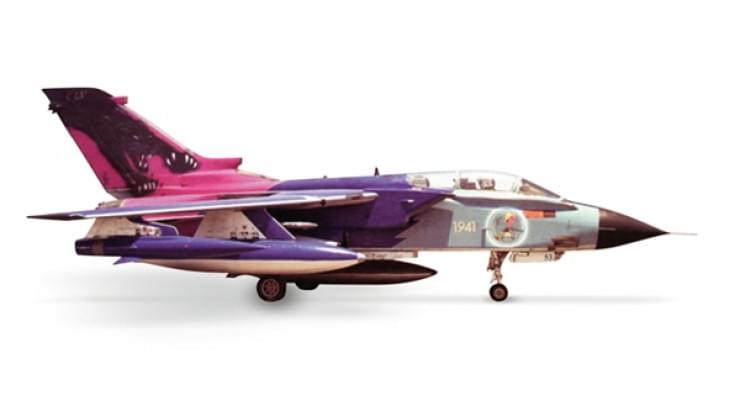 "Модель самолета Panavia Tornado IDS Italian Air Force ""Black Panther"" 1:200"