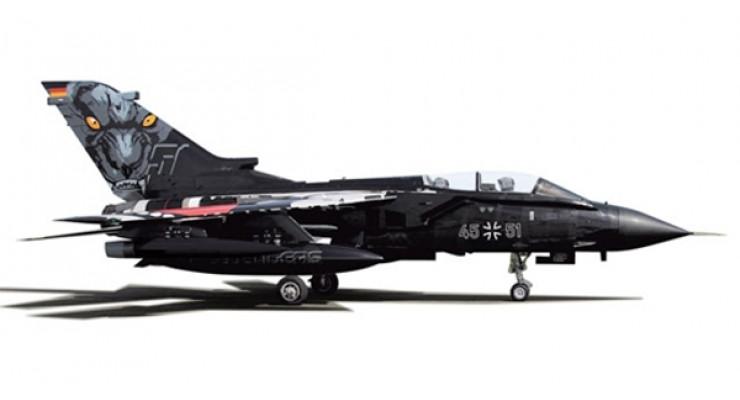 Модель самолета Panavia Tornado ECR Luftwaffe 1:200