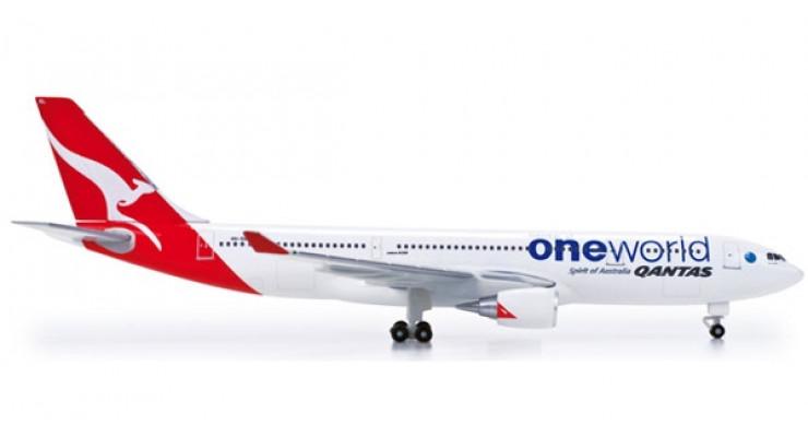 "Модель самолета Airbus A330-200 Qantas Airways ""OneWorld"" 1:500 518116"
