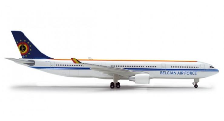 Модель самолета Airbus A330-300 Belgian Air Force 1:500 518239