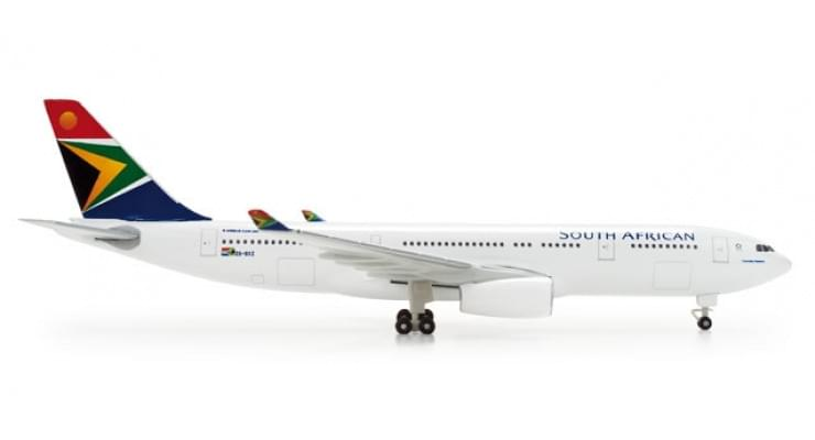 Модель самолета Airbus A330-200 South African Airways 1:500 520805