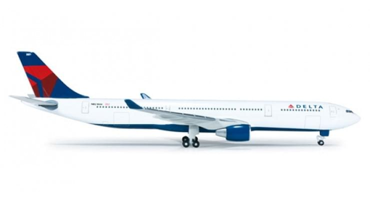 Модель самолета Airbus A330-300 Delta Air Lines 1:500 520935