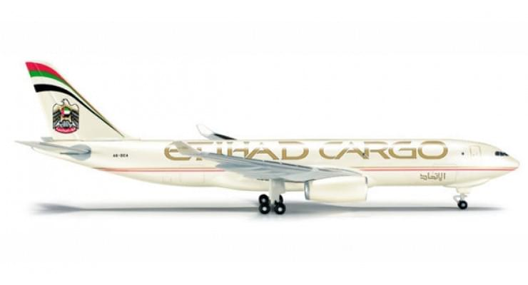 Модель самолета Airbus A330-200F Etihad Crystal Cargo 1:500