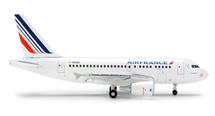 Модель самолета Airbus A318 Air France 1:400