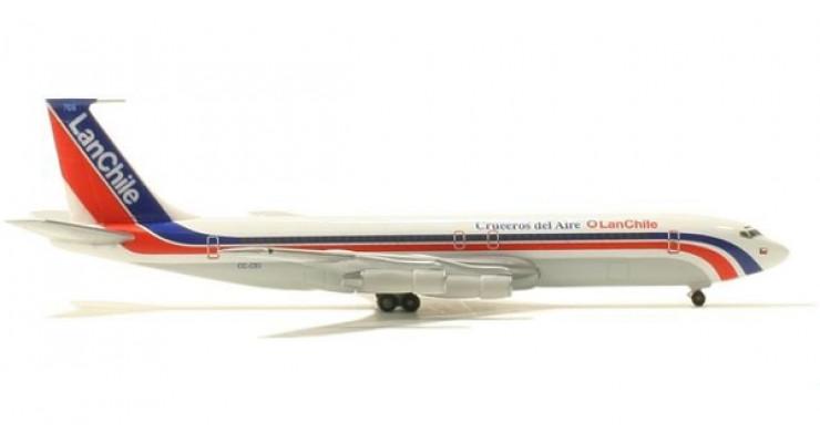 Модель самолета Boeing 707-300B LAN Chile Airlines 1:500 503167