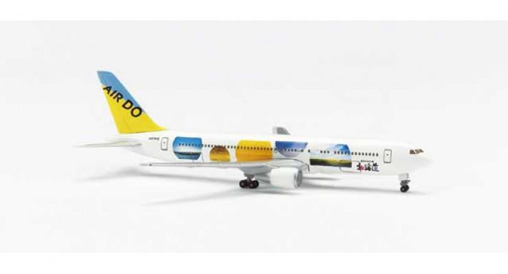 Модель самолета Boeing 767-300 Air Do 1:500 504379