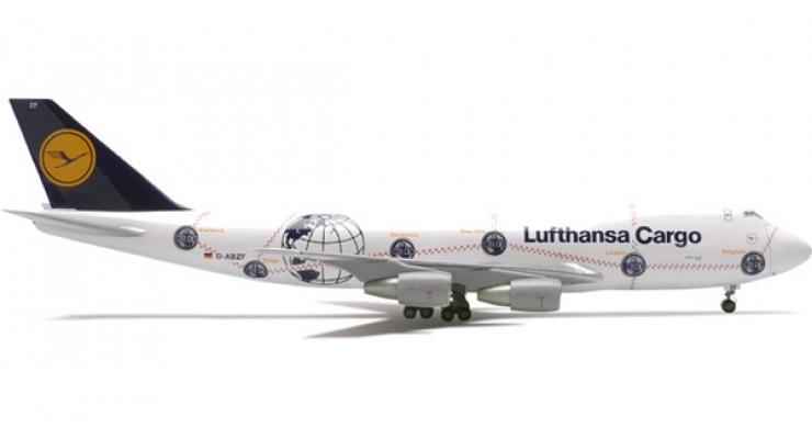 "Модель самолета Boeing 747-200F Lufthansa Cargo ""Service Revolution"" 1:200"
