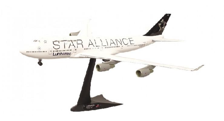 "Модель самолета Boeing 747-400 Lufthansa ""Star Alliance"" 1:200"