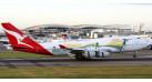 """Модель самолета Boeing 747-400 Qantas Airways """"Go Wallabies"""" 1:200"""