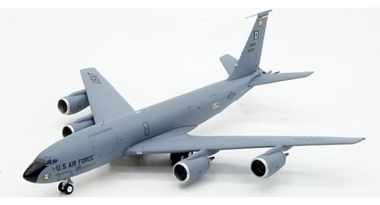 Модель самолета Boeing KC-135R Stratotanker USAF 1:200