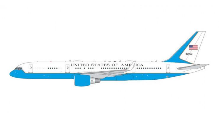 "Модель самолета Boeing C-32A ""Air Force Two"" 1:400"