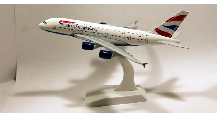 Модель самолета Airbus A380 British Airways длинна 17 см.