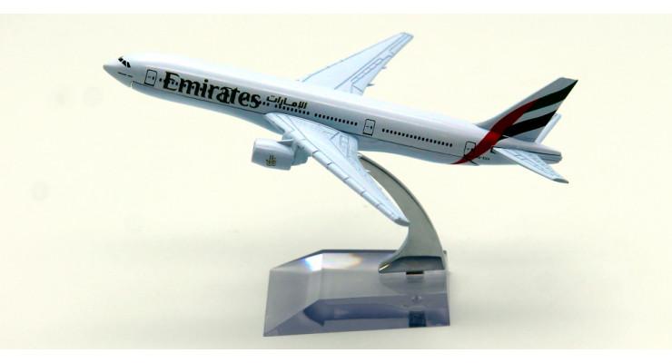 Модель самолета Boeing 777 Emirates 15 см.