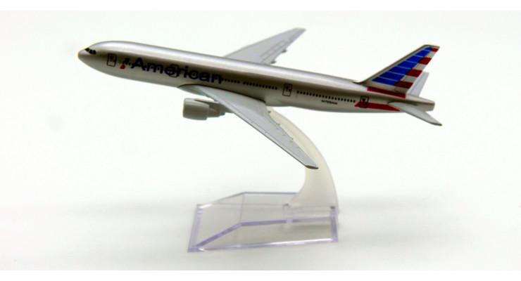 Модель самолета Boeing 777 American Airlines 15 см.